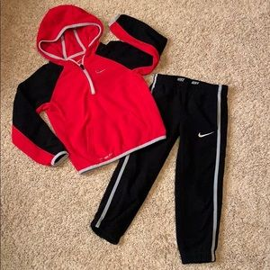 Nike fleece 1/4 zip pullover and joggers set 4t